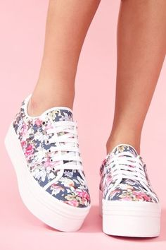 Zomg Platform Sneaker - Floral...if these are coming back I will be so thrilled because I'm so short! #platformsneakers