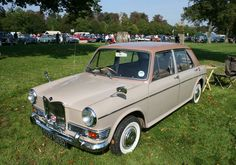 Riley Kestrel 1100 (1966) Classic Cars British, Kestrel, Car Photos, Cars And Motorcycles, Cool Cars, Antique Cars, Automobile, Vehicles, Euro