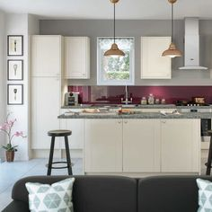 gloss cream shaker fitted kitchen by magnet highglosskitchen creamkitchen shakerkitchen kitchens t22 cream