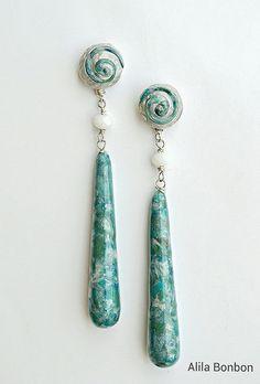 Polymer clay earrings by Alessia Adacher (aka Alila Bonbon).