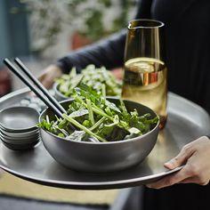 تجهيز المائدة وترتيبها بشكل أنيق لطالما اعتبر من أهم العوامل للحصول على مائدة شهية لا تقاوم. مجموعة جديدة محدودة الاإصدار لأدوات المائدة قد وصلت ايكيا #SITTNING