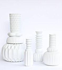 http://www.lamaisondannag.com/226-722-thickbox/vase-samsurium-hamonica-blanc.jpg