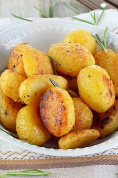 Weight Watchers Roasted Potatoes with Rosemary Recipe with Chicken Broth, and Garlic - Gluten Free and Paleo