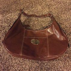 Brown Nine West Purse Like new condition. Leather feel, man made materials. Shoulder bag. Nine West Bags Shoulder Bags