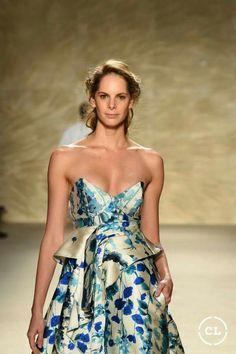 @mariaelenavillamil  #mujereseneljardin #romanticismo #feminidad  #vibroconlamoda #colombiamods2017  🍃👏🍃👏🍃👏🍃 Strapless Dress Formal, Formal Dresses, Fashion, Romanticism, Women, Dresses For Formal, Moda, Formal Gowns, Fashion Styles