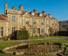 """"""" century Heale House in Wiltshire ~ English Manor Houses, English House, British Architecture, Interior Design Courses, British Home, Tower House, English Tudor, Grand Homes, Country Estate"""