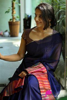 Product Details: Saree: Pure chiffon with banarasi silk brocade bordersBlouse: Banaras silk brocade (as seen in borders) Kerala Saree Blouse Designs, Saree Blouse Neck Designs, Simple Blouse Designs, Stylish Blouse Design, Bridal Blouse Designs, Designer Blouse Patterns, Sea Queen, Silk Sarees, House Of Blouse