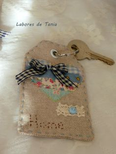Labores de Tania: Etiquetas  ~Table Ideas for Christa's Dream table 2016.  She loved keys..tag with key representing home?~sb
