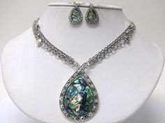 TEAR DROP NECKLACE AND EARRING SET W/FREE SHIPPING