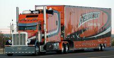 Now that's a rig! Big Rig Trucks, New Trucks, Custom Trucks, Cool Trucks, Custom Big Rigs, Peterbilt Trucks, Diesel Trucks, Moving Trucks, Nitro Express