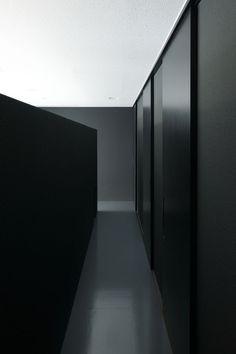 Visions of the Future: *minimal interior design, minimalism, closet space, corridors* Architecture Du Japon, Interior Architecture, Architecture Images, Building Architecture, Hotel Interiors, Office Interiors, Store Interiors, Modern Interiors, Home Interior Design