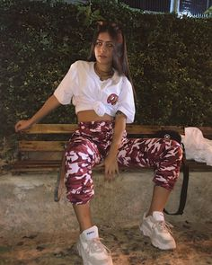 Urban Outfits, Retro Outfits, Cute Casual Outfits, Aesthetic Fashion, Aesthetic Clothes, Foto Casual, Girl Fashion, Fashion Outfits, Tumblr Outfits
