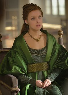 Reign, season 3, episode 9, 《Wedlock 》. Queen Elizabeth.