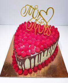 Birthday Cake, Desserts, Food, Gourmet, Atelier, Tailgate Desserts, Deserts, Birthday Cakes, Essen