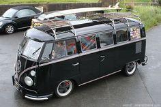 55 Awesome Camper Van Design Ideas for VW Bus Bus Camper, Vw Caravan, Mini Camper, Campers, Volkswagen Transporter, Volkswagen Bus, Location Camping Car, Vw Camping, Glamping