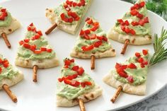 Recipes Snacks Appetizers 31 creative ideas on how to prepare a cool Christmas dinner yourself Finger Food Appetizers, Christmas Appetizers, Appetizers For Party, Finger Foods, Appetizer Recipes, Appetizer Ideas, Healthy Appetizers, Party Snacks, Healthy Christmas Treats
