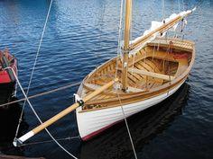 Классическая парусная лодка «Аскольд-15»