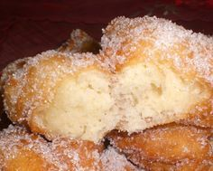 Sicilian Sfinci recipe is an ancient recipe pass to me from my grandmother. In sicily usually we make sfinci for special events, like Christmas, or when the family gathers. Below you can make sicilian sfingi reciper looking the pictures.