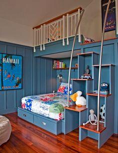 Красивая детская кровать чердак с кроватью внизу