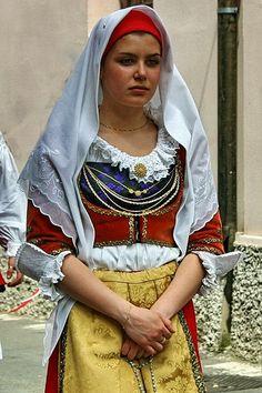 Costume Dolianova