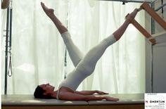 Pilates egzersizi sırasında hareketler akıcı bir düzene sahiptir. Duraksama olmadan herbir noktadan ayrı ayrı geçerek hareketler tamamlanmalı, ancak bu akıcılık, hızlı olmak ya da ani ve sert hareket etmek anlamına da gelmemelidir.