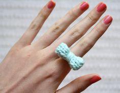 DIY: knit bow ring