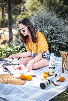 Picnic fashion photography. Gingham street style look. By emerjadesign