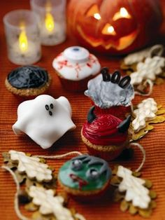 Scary Halloween Cup Cakes
