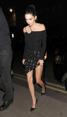 0787a06cd5 Kendall Jenner Does Anything But Subtly Hide Her Bralette Celebrity Style  Inspiration