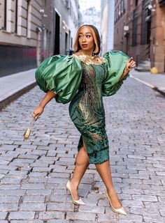 African Lace Styles, African Lace Dresses, Latest African Fashion Dresses, African Inspired Fashion, African Print Fashion, Lace Gown Styles, Dinner Gowns, Gowns Of Elegance, Black Women Fashion