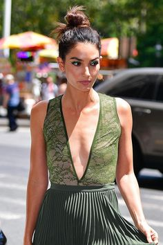 Lily Aldridge chose an effortlessly chic and slightly imprecise take on the topknot.
