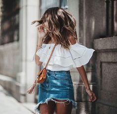 Blake Light Wash Two-Tone Denim Mini Skirt Minimalist Vintage Classy Street Style und Mode Inspiration 2018 Fashion Mode, Look Fashion, Denim Fashion, Fashion Trends, Fashion Outfits, Womens Fashion, Fashion Ideas, Ladies Fashion, Classy Fashion