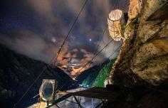 El Skylodge es el primer refugio donde se puede dormir en una cápsula transparente anclada a la roca