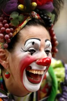 Clown midget molester