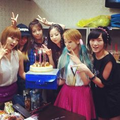Yeun, Yubin, Sohee, & Lim from Wonder Girls with Min and Jia from miss A