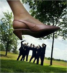 Funny wedding photos that i need!