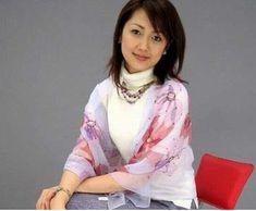 양혜연(杨惠妍) - 기업&기업인 - 중국지식전문가 Women Lifestyle, Rich People, Billionaire, World, Tops, Korean, Hands, Fashion, Celebs