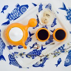 """Orange is the happiest color."" ~ Frank Sinatra  #franksinatra #orange #bulbteaset #earthenware #happy #ceramic #lifestyleceramics #functionalpottery #clay #design #beautiful #flatlays #viewfromabove #lazymorning #livethelittlethings #colorventures #dailydoseofwhimsey #thatcolorproject #creativelifehappylife #abmlifeiscolorful #photosinbetween #myunicornlife #flashesofdelight #livecolorfully #afternoontea #teaclub #teaporn #teathings #teatime #teablogger"
