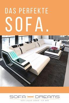 Die moderne #Wohnlandschaft aus Leder von Sofa-Dreams bietet Platz für die ganze Familie. Das #Ledersofa Ravenna ist absolut modern und gemütlich zugleich. Das moderne Ledersofa hat eine integrierte LED Beleuchtung und sticht damit noch mehr ins Auge. Damit nicht genug, besitzt die Wohnlandschaft sogar einen USB-Anschluss in der großen Armlehne. Das Smartphone am Sofa anschließen ist mit dem #Designersofa Ravenna Realität.