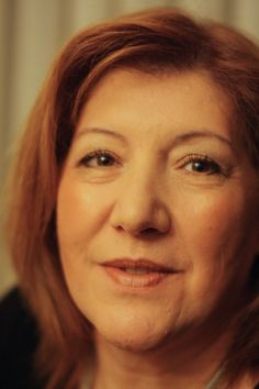 Um registo fotográfico da Custódia, no desenvolvimento do projeto 100 mulheres/100 maquilhagens.