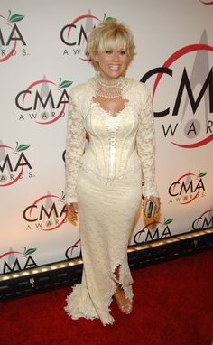 The 33 Craziest Outfits in the History of the CMA Awards Lorrie Morgan, The 33, Cma Awards, Crazy Outfits, Country Music, Chalk Painting, History, Formal, Lady