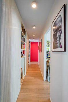 PRIVATE APARTMENT_MNG: Ingresso, Corridoio & Scale in stile in stile Eclettico di cristianavannini | arc