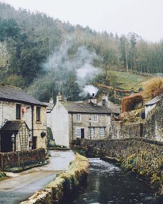 Castleton Peak District,Derbyshire,England 151 notes Back in time The Places Youll Go, Places To See, Places To Travel, Travel Destinations, Rosie Hardy, Peak District England, Beautiful World, Beautiful Places, English Countryside