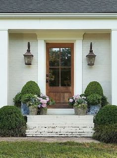 59 Super Ideas Exterior Design Curb Appeal The Doors House Front, Windows Exterior, House Exterior, Exterior Brick, Exterior Design, Beautiful Front Doors, Exterior Doors, Window Trim Exterior, Curb Appeal