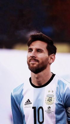 🎁🎂 Today, one of the greatest football players in football history turns 32 years old! Marvel Contest Of Champions, Champions League Europe, Messi Soccer, Messi 10, Basketball, Real Madrid Soccer, Ronaldo Real Madrid, Lionel Messi Barcelona, Barcelona Soccer