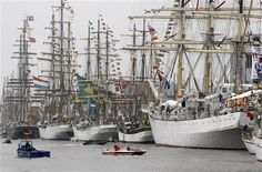 Windjammer meeting - Bremerhaven Germany.Was there in the 80's This Festival is WOnderful.