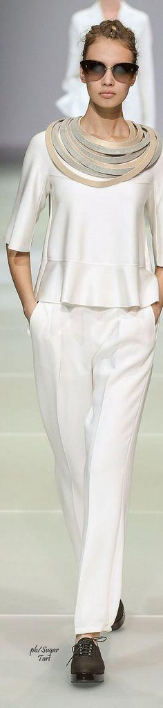 """Faça um colar com este, com tecido estruturado, e de um novo """"looK"""" ao seu vestuário."""