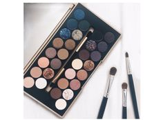 Makeup Revolution Palette in 'Fortune Favours The Brave'