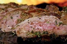 Bij welke kerntemperatuur is vlees goed? Kerntemperatuur van kalfsvlees, lamsvlees, varkensvlees en rundvlees met kernthermometer. Bekijk de handige tabel.