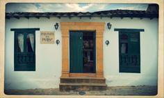 Ubicados en el centro histórico de Villa de Leyva, a dos calles de la plaza principal, Hospedería Don Paulino es reconocido por su tradición y hospitalidad. Ofrece la mejor experiencia para los viajeros que buscan paz y tranquilidad en un lugar ideal para descansar sin preocupaciones.  Celular: 3214670330  Telefono: (098)732 1227 donpaulino@hotmail.com  Calle 14 N 7 - 46 @donpaulinoleyva